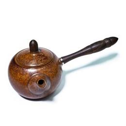 Чайник, декорированный под дерево, с деревянной ручкой, глина